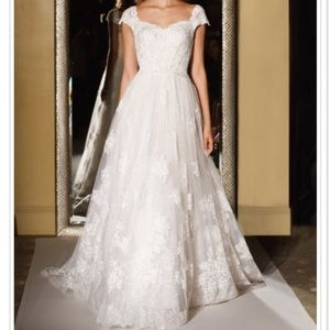 Oleg Cassini Wedding Dress Ivory